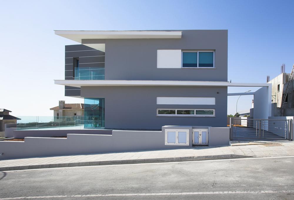 Ανατολική άποψη της κατοικίας παράλληλα με το δρόμο, © Χρίστος Παπαντωνίου