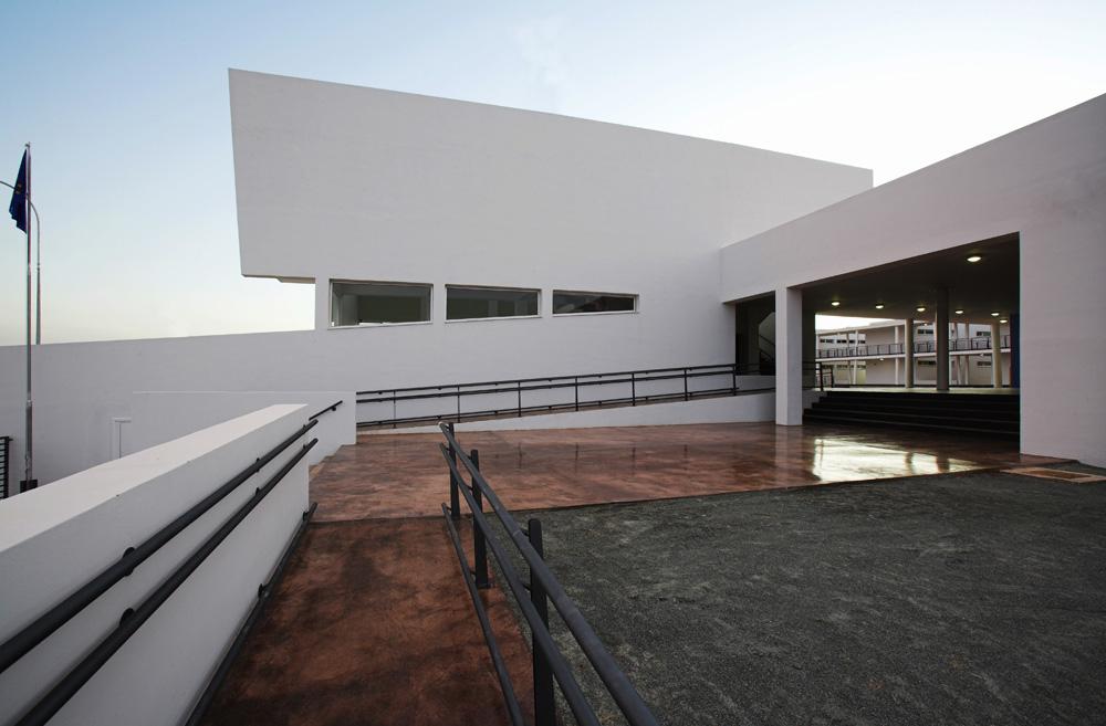 Η κύρια είσοδος, © Χρίστος Παπαντωνίου