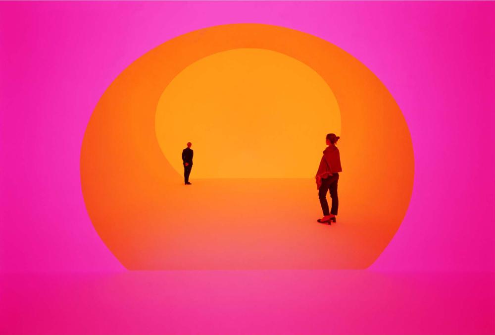 """Εγκατάσταση """"Light art"""" James Turell, Photo by Florian Holzherr © James Turrell"""