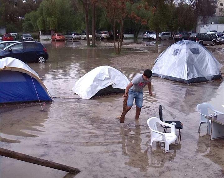 Πλημμύρες έπληξαν τους πρόσφυγες και τα αντίσκηνά τους στην Λευκωσία στις 05 Δεκεμβρίου 2014    © http://kisa.org.cy/wp-content/uploads/2014/12/10411031_741721602586939_5147311704368522671_n.jpg
