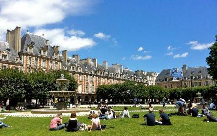Δημόσιος χώρος – Ιστορική πλατεία, Place Des Vosges  [www. expressoparis.com/place-des-vosges]